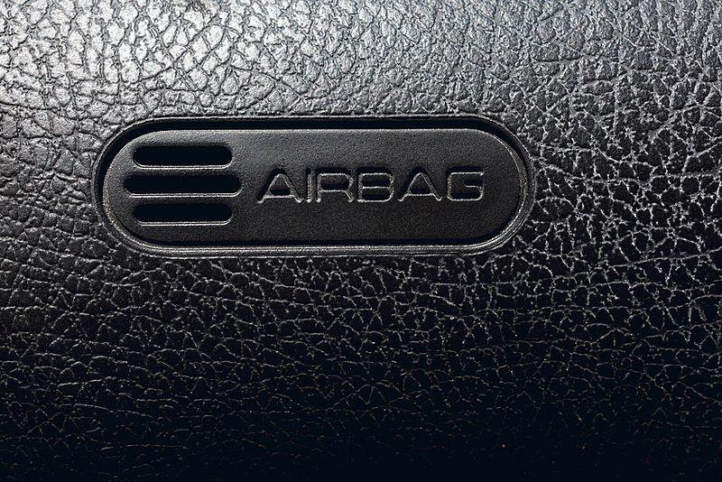 Airbag Anzeige leuchtet immer?